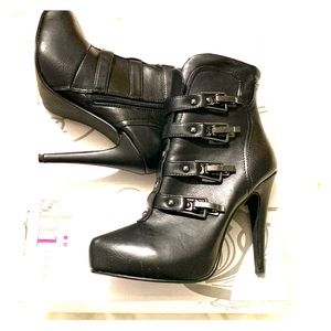 Black buckle boots heels Shi by Journeys 6